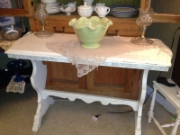 white-shabby-hall-table