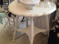 Antique white shabby table