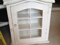 Little shabby display cabinet