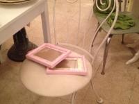 ice-cream-shop-chair