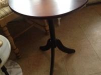 pedestal-table