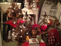 pre-lit-christmas-trees-and-cute-birds