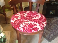 upholstered-seat-stool-sweet