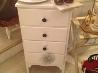white-cabinet-drawers